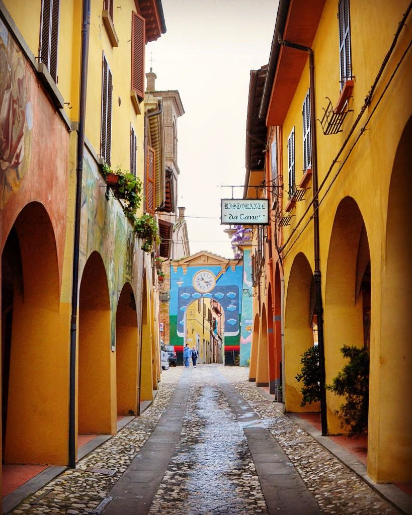 Arcobaleno Dozza Muro Dipinto