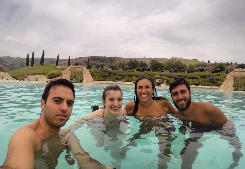 Villaggio della Salute Più piscina centrale