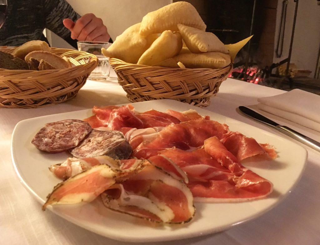 Agriturismo Podere Misericordia Ferrara pinzini fritti con affettati