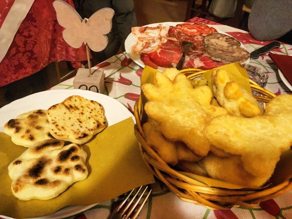 Agriturismo La Bozzola Ferrara affettati pinzini fritti e tigelle