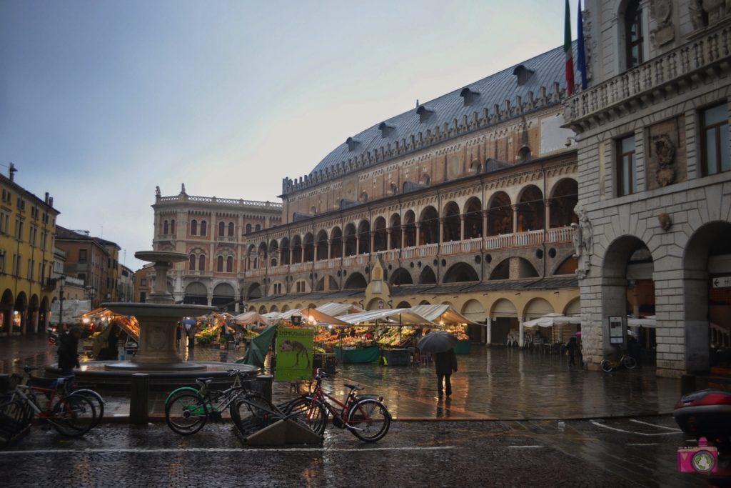 Piazza delle Erbe Padova