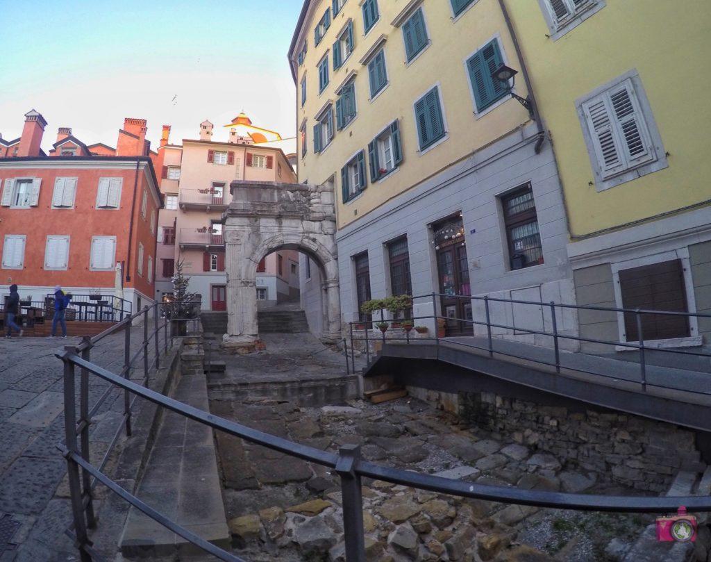 Visitare Trieste Arco di Riccardo