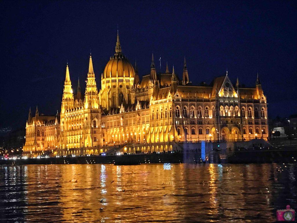 Cosa vedere a Budapest Parlamento d2ff5b1c4c