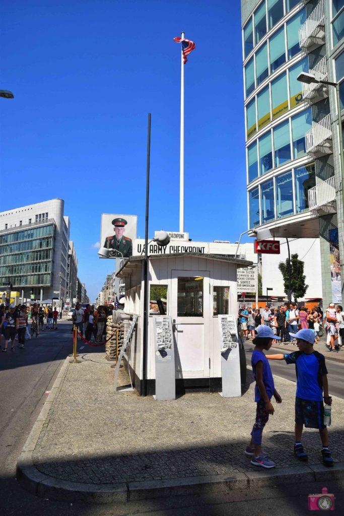 Visitare Berlino Checkpoint Charlie