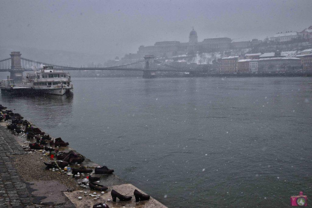 Cosa vedere a Budapest Scarpe sulla Riva del Danubio